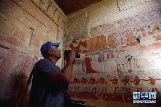 (国际)(1)埃及一座4000多年前古墓首次对公众开放