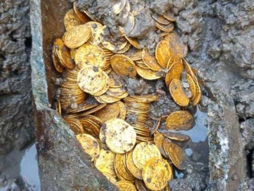 意废弃剧院挖掘出大批金币 或源自古罗马帝国(图)
