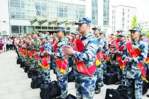 宿迁共有1400名新兵入伍奔赴军营