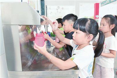 """南通海门市区学校实现""""健康饮水""""全覆盖"""