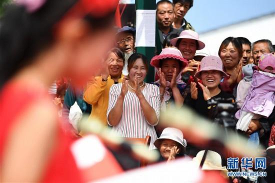 (文化)(5)甘肃静宁:贫困村里的快乐文化舞台