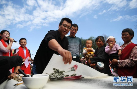 (文化)(3)甘肃静宁:贫困村里的快乐文化舞台