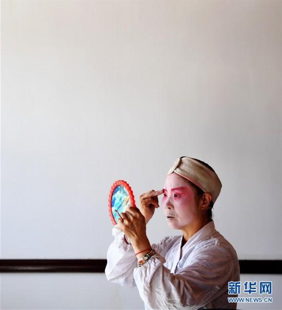 (文化)(6)甘肃静宁:贫困村里的快乐文化舞台