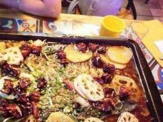 赵丽颖杨紫合伙开饭店,表示不是为了赚钱,网友看见菜单无话可说