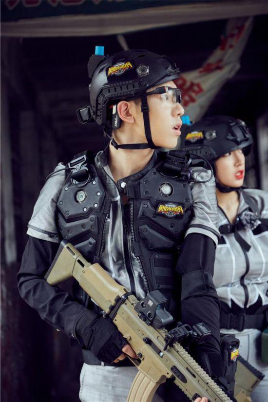 """杜江、陈乔恩商量""""破局之策"""",王子异暖心拥抱对手"""