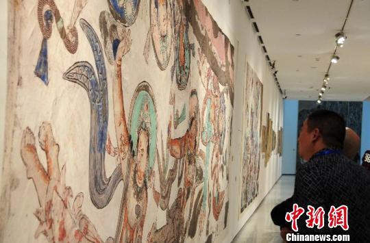 图为新疆龟兹研究院复制的壁画, 罗永皓 摄