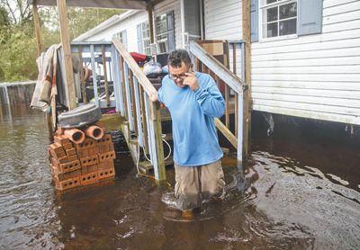 美国东海岸遭遇强飓风袭击