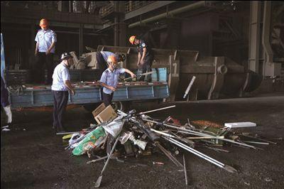 常州警方集中销毁一批仿真枪等枪爆物品