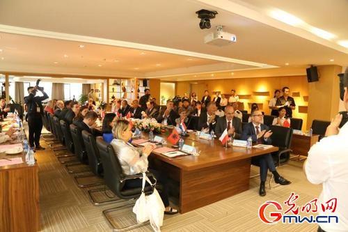 多国海关代表莅临河南保税考察