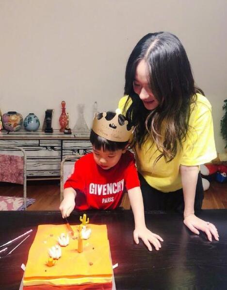 嗯哼五歲啦!杜江霍思燕為兒子慶生 畫面溫馨