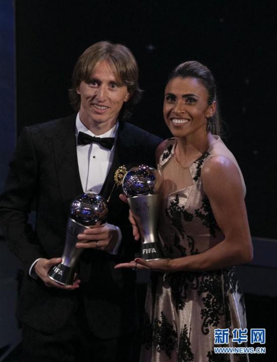 (体育)(10)足球――2018国际足联年度颁奖典礼在伦敦举行