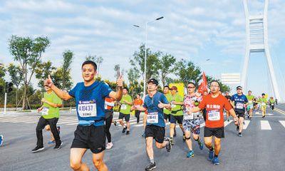 郑州龙湖国际半程马拉松落幕
