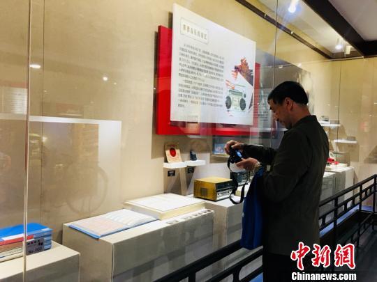 """""""老物件收藏展""""黑龙江开展引南北游客追忆美好时光"""
