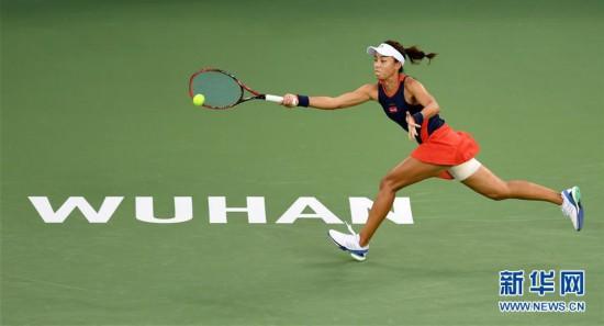 (体育)(3)网球――武汉公开赛:王蔷晋级四强