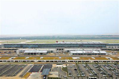 <p>  2018年8月31日,建设中的银川河东国际机场国际航空港综合交通枢纽工程。                                                             王畅 摄</p>