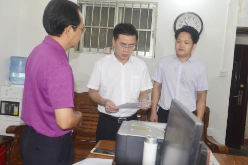 罗宗光到博白县文联等群团组织调研