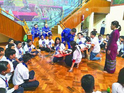 中國藍天救援隊在緬開展救援培訓