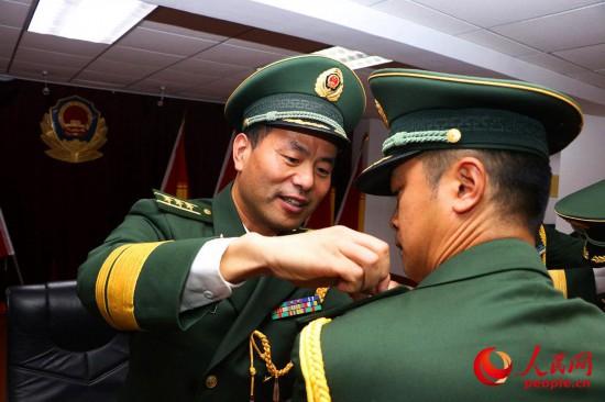 武警上海总队执勤第四支队举行转业干部向军旗告别仪式【3】