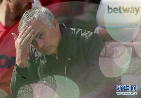(体育)(1)足球――英超:曼联不敌西汉姆联