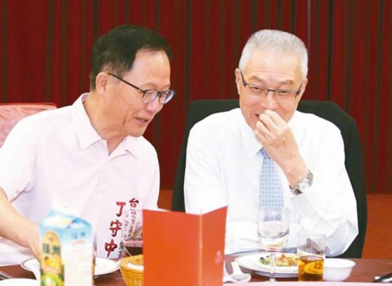蓝营最新民调:台北市长选战丁守中仅差柯文哲3%