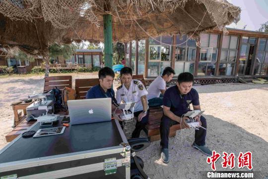 国庆节期间,赴广西北海涠洲岛观光度假的游客增多.