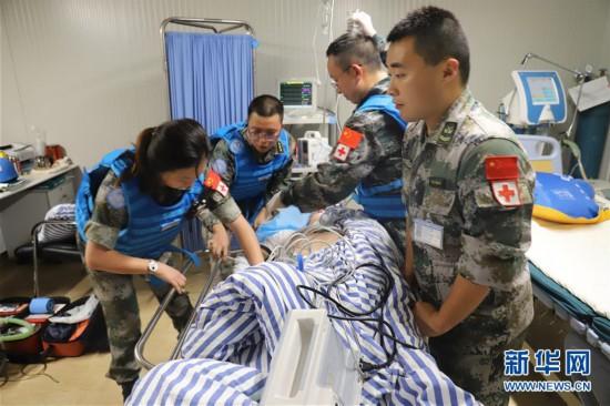 (国际・图文互动)(1)假日战备为和平――记中国赴黎巴嫩维和医疗分队与友军举行医疗救援演练