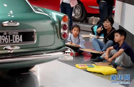 (社会)(5)上海:汽车博物馆里的亲子假期