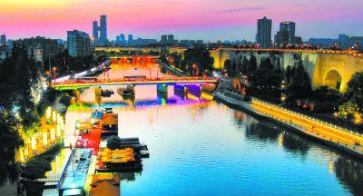 桨声灯影画中游 南京外秦淮河夜景工程亮灯