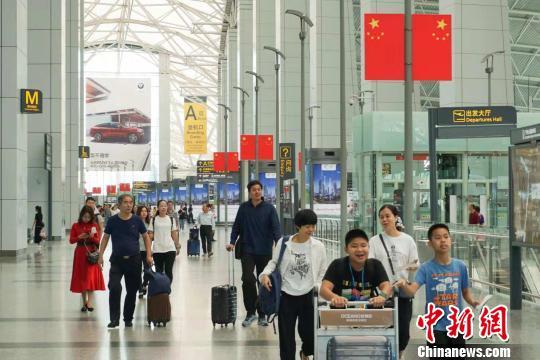 国庆黄金周广州白云机场接送旅客143.7万人次
