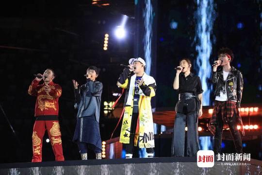 《中国好声音》总决赛旦增尼玛夺冠 周杰伦战队再次无缘冠军