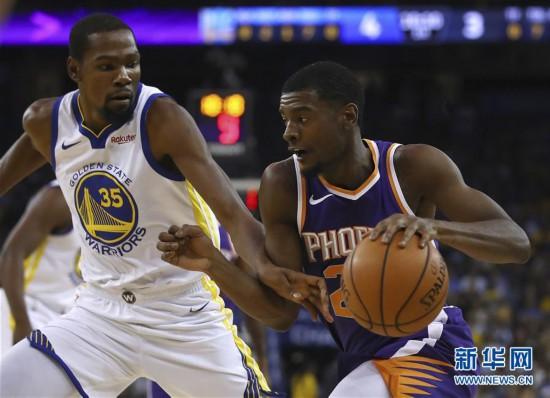 (体育)(4)篮球――NBA季前赛:太阳胜勇士