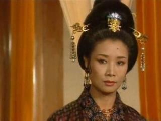 74岁终成影后,丈夫出演过《西游记》,女儿如今是国人的骄傲