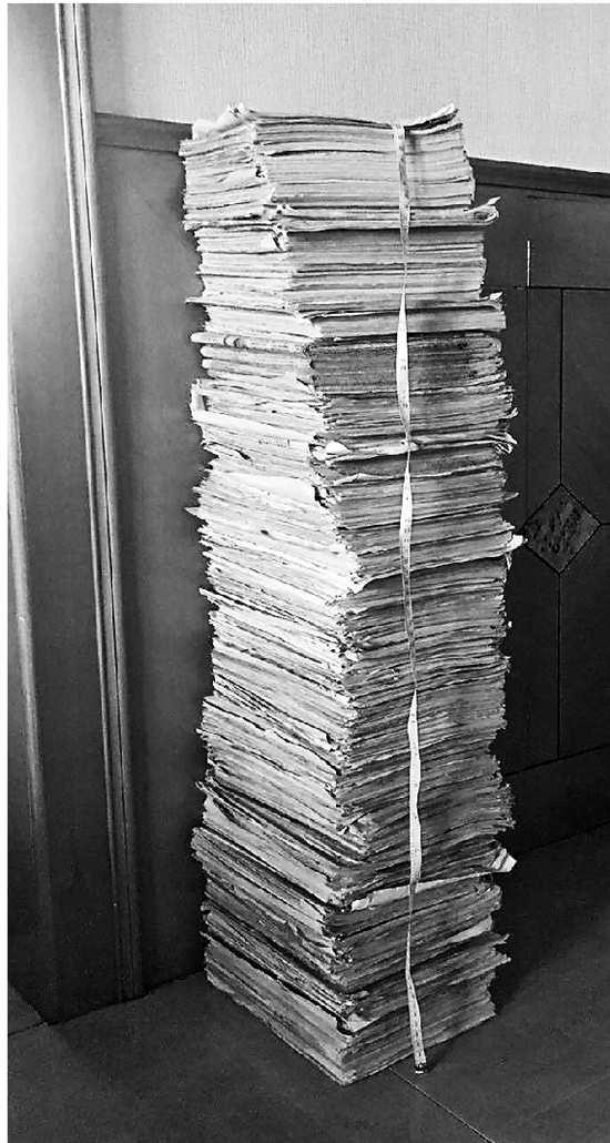 小学到高中要做多少份卷子?摞起来足有91厘米高