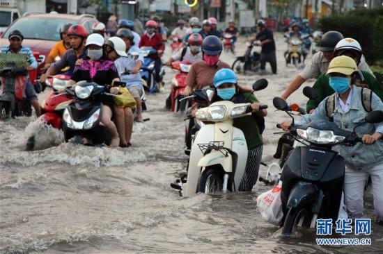 (国际)(1)越南芹苴潮水泛滥