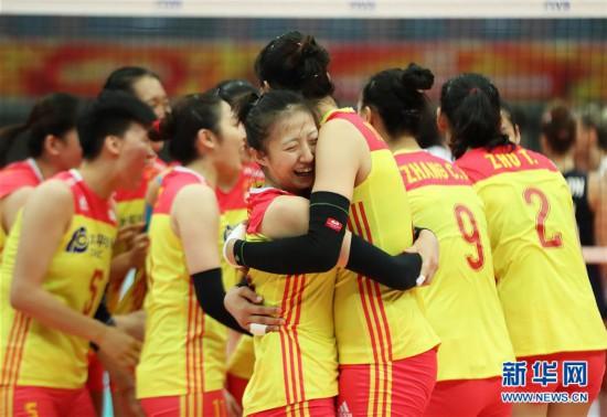(体育)(10)排球――女排世锦赛:中国胜美国