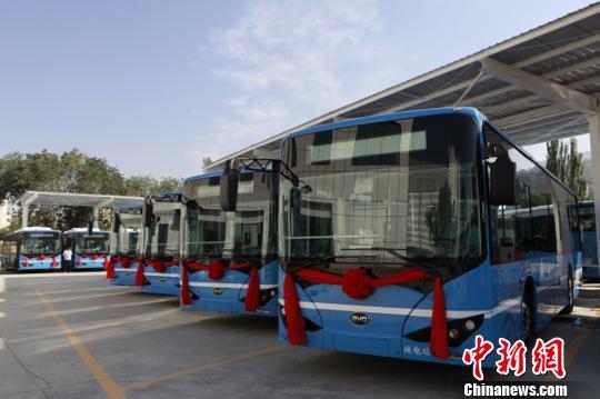 青海西宁实施公交车燃气电能替代连续15个月减碳排1618吨