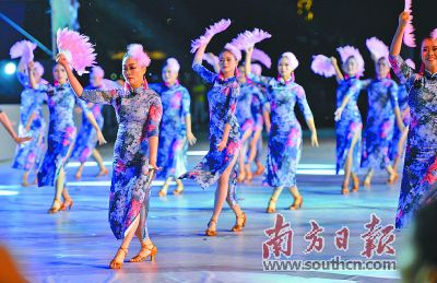 全国广场舞广东省集中展演活动在清远举行