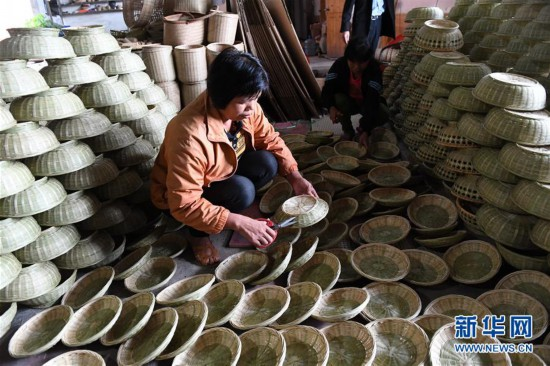 (经济)(3)竹编产业助增收
