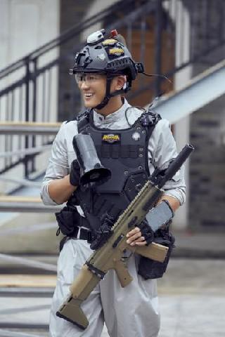 《勇敢的世界》招募队友 魏大勋遭黄明昊陈乔恩争抢