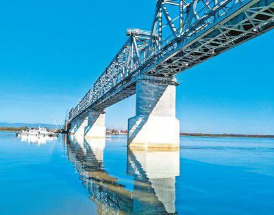 中俄首座跨界铁路大桥