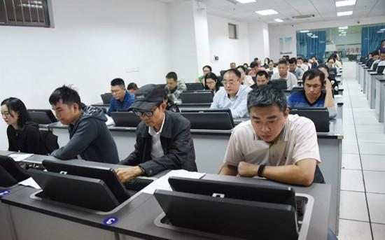 广西第3次开展行政执法人员网上培训和无纸化考试