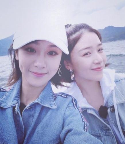 杨紫未获金鹰奖项不遗憾,和师姐阚清子晒证书互相鼓励