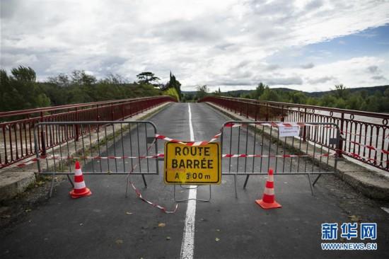 (国际)(4)法国南部暴雨造成至少13人死亡