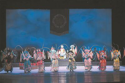武动青春风采 经典扬剧《百岁挂帅》在南京上演