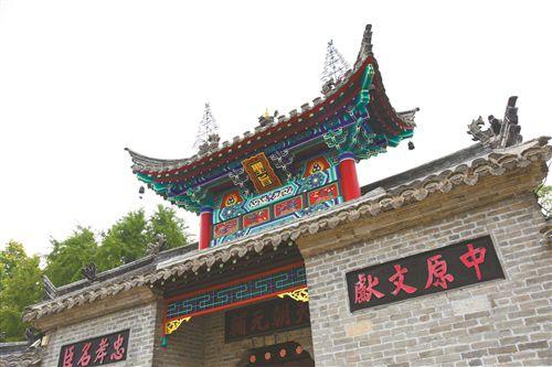 徐州权谨牌坊修缮完成 戏马台工程年底竣工