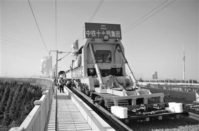連淮揚鎮鐵路鋪軌 全長305.2公裡設16個車站