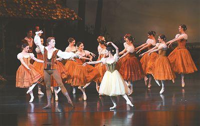 芭蕾舞《吉赛尔》在南京上演 收获满场掌声