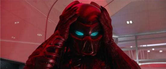 《铁血战士》首登内地 首周末获全球票房冠军