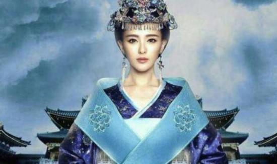 戚薇演公主,李沁演公主,唐嫣演公主,而她讓人誤以為是真公主