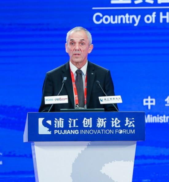 法国国家科学研究中心主席:续写两国科技合作